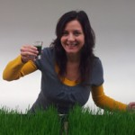 How Wheatgrass Can Be A Benefactor For Your Gray Hair
